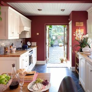 Căn bếp đẹp với 4 cách phối màu cá tính